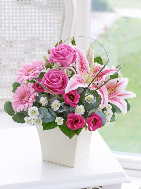 Các loại hoa cắm chung với hoa hồng